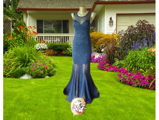 Rochie lunga bleumarin navy din dantela florala Evita